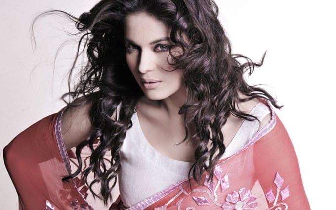 Veena Malik going against Pak moral brigade again