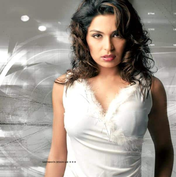 Meera to sizzle on small screen