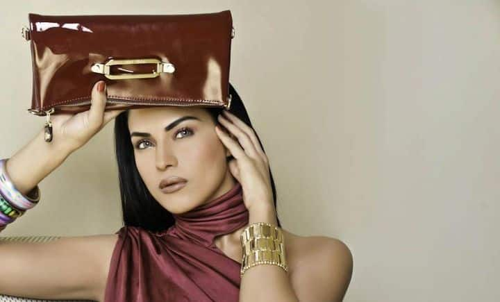 veena_malik_1lakh_film_sign