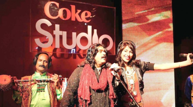 Arif Lohar and Meesha Shafi put in a sensational performance for the first episode of Coke Studio. PHOTO: KOHI MARRI