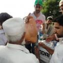 AtifAslam-Charsadda-Peshawar-Flood-Relief-Camp (1)