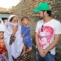 AtifAslam-Charsadda-Peshawar-Flood-Relief-Camp (5)
