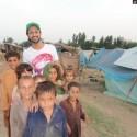 AtifAslam-Charsadda-Peshawar-Flood-Relief-Camp (7)