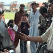 Hadiqa Kiani in Lahore for Flood Relief (7)