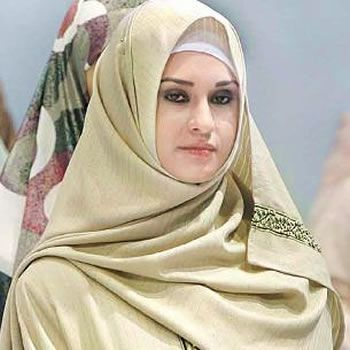 hijab_elegant_fashion_trend_in_pakistan_on_way_t[1]