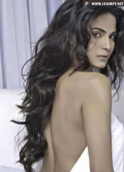 VeenaMalik-Bikini-ShowtimeMagazine (3)